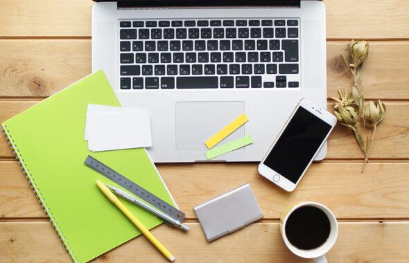 パソコンと筆記用具